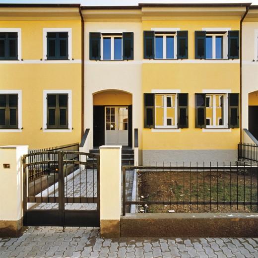 Gallarati architetti architettura residenziale for Moderni piani a schiera